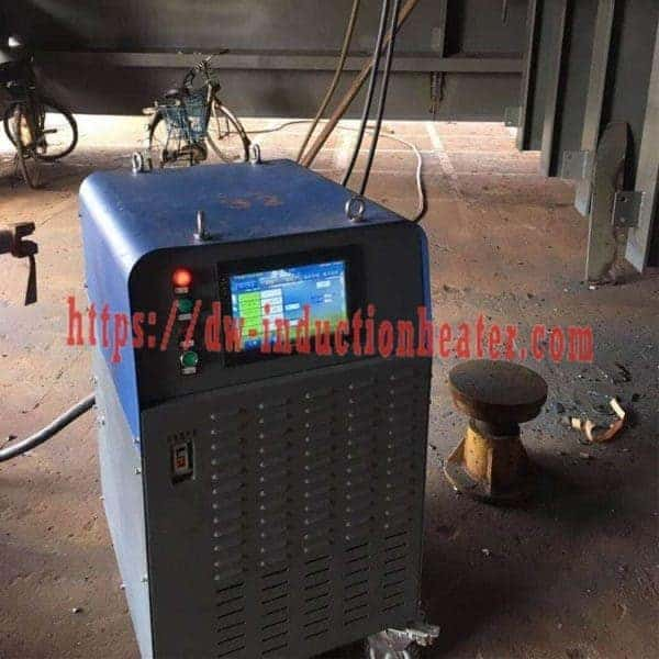 Post welding stress releasing machine