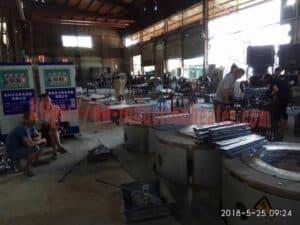အလူမီနီအရည်ပျော်မီးဖိုထဲ