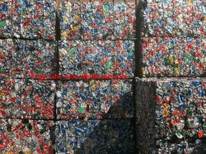 алуминиеви алуминиеви контейнери, рециклиращи се топене