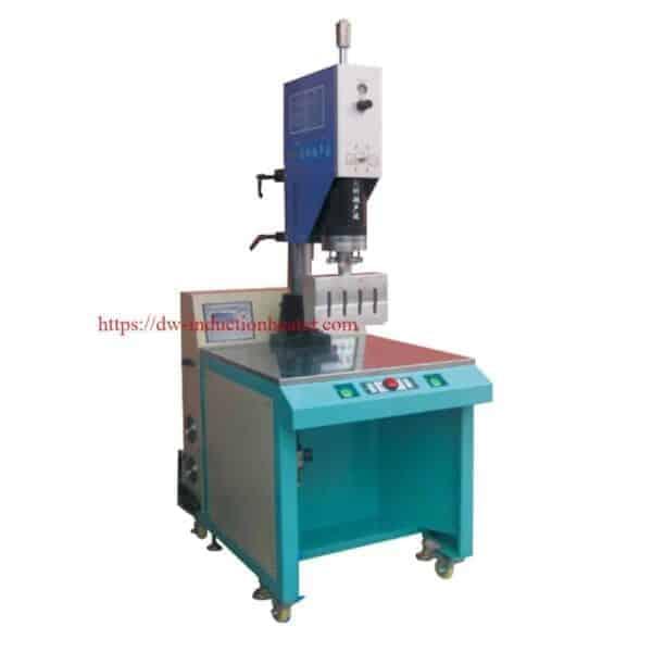 máquina de soldadura por ultrasóns